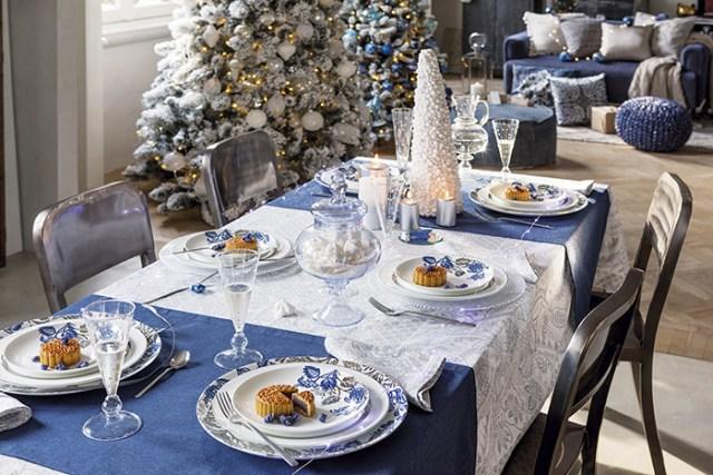 Atmosfere di Natale in casa: la tavola blu di Coincasa.