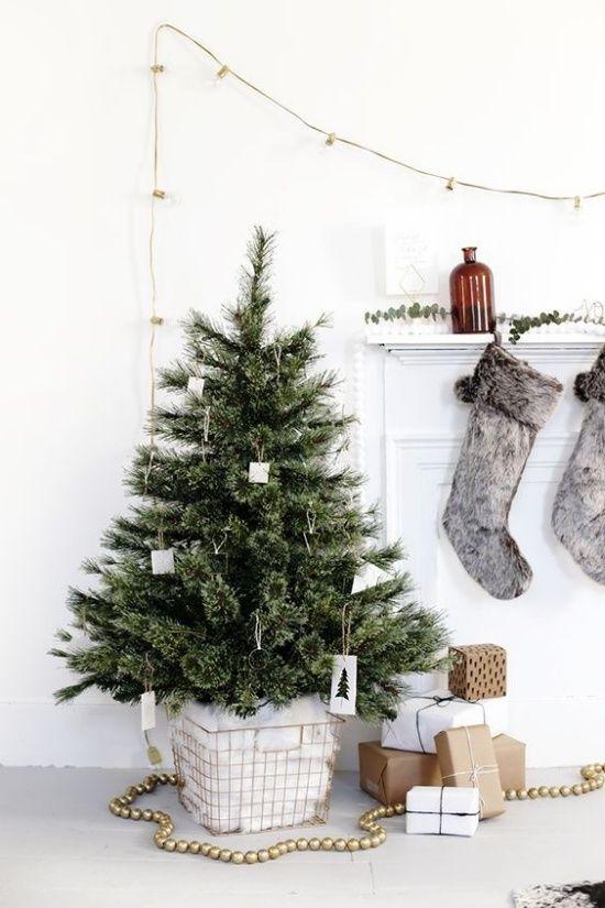 Plain interioris - christmas tree simply.