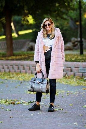 teresaquiroga.com/abrigo-peluche-rosa-empolvado/