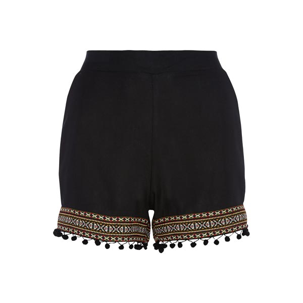 Shorts: 8 euros