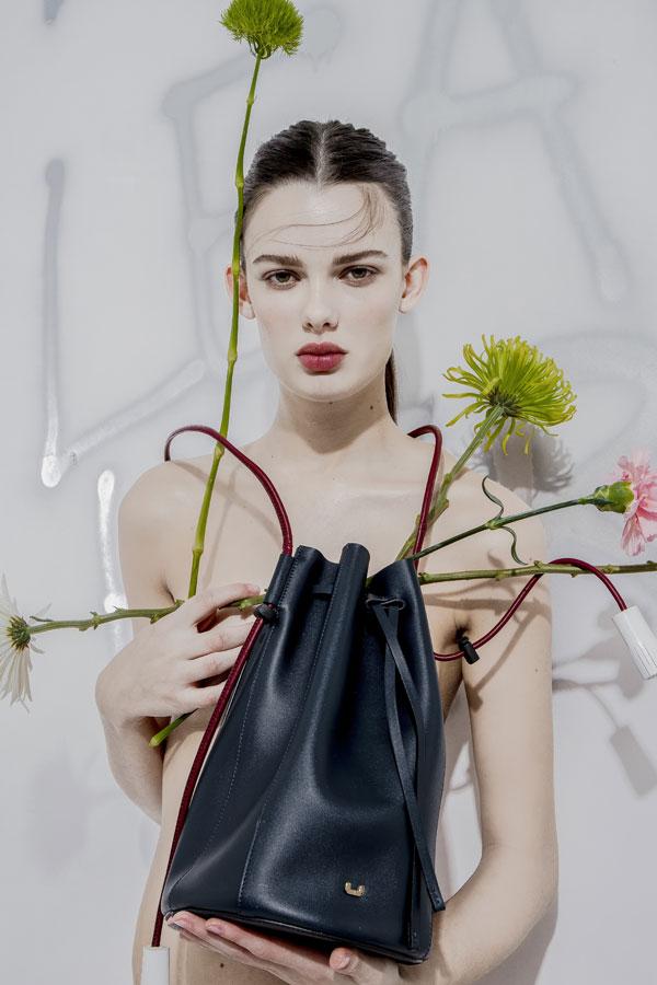 U de adolfo dominguez presenta su leather collection for Adolfo dominguez calle fuencarral 5