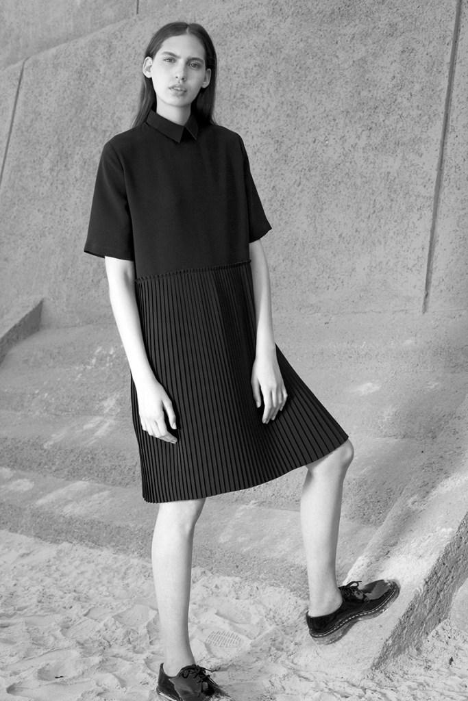 PLISSE COLLAR DRESS BY HANNAH on www.modagrid.com