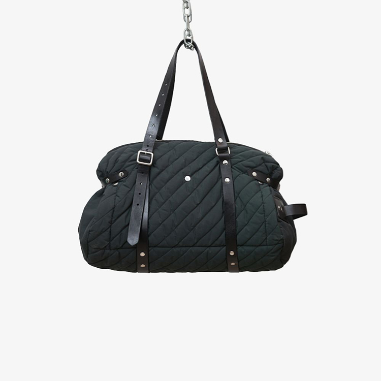 Quilted duffle bag by Havie on www.modagrid.com