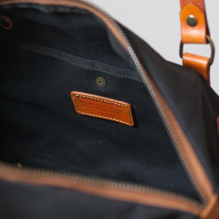 Duffle bag by Havie on www.modagrid.com