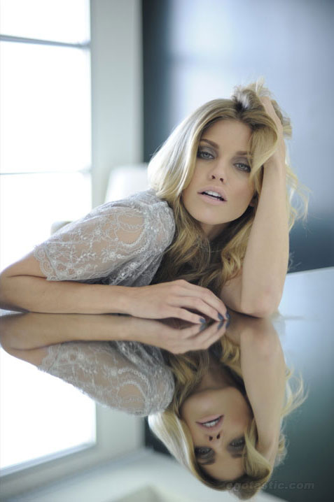 annalynne-mccord-fashion-journal-05
