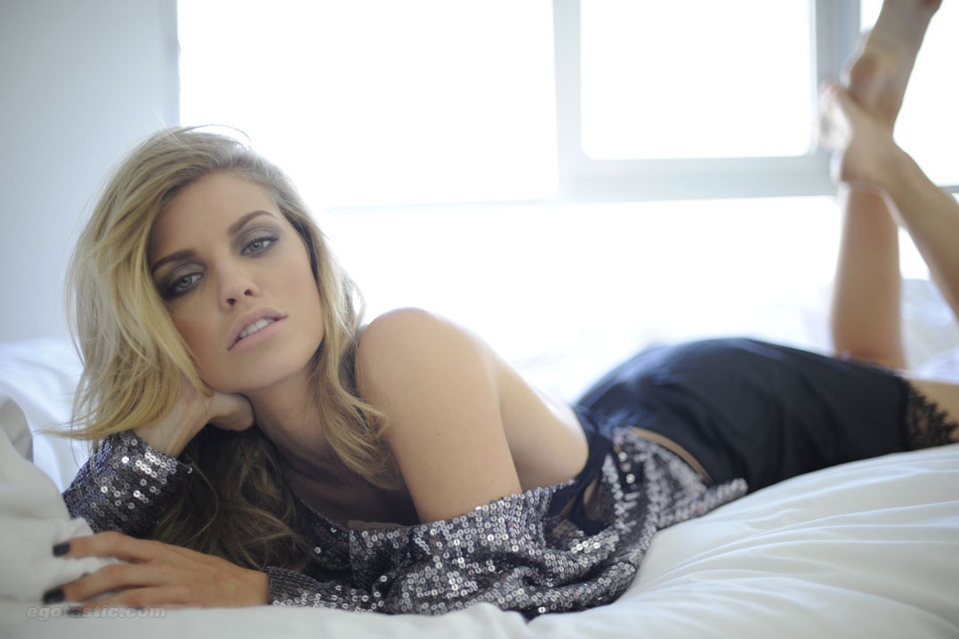 annalynne-mccord-fashion-journal-07