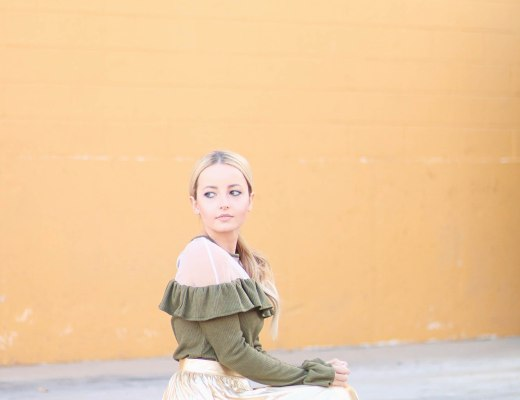 Alena Gidenko of modaprints.com Styling a gold pleated skirt for the holidays