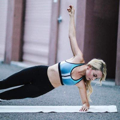10 MINUTE AB WORKOUT FROM HOME