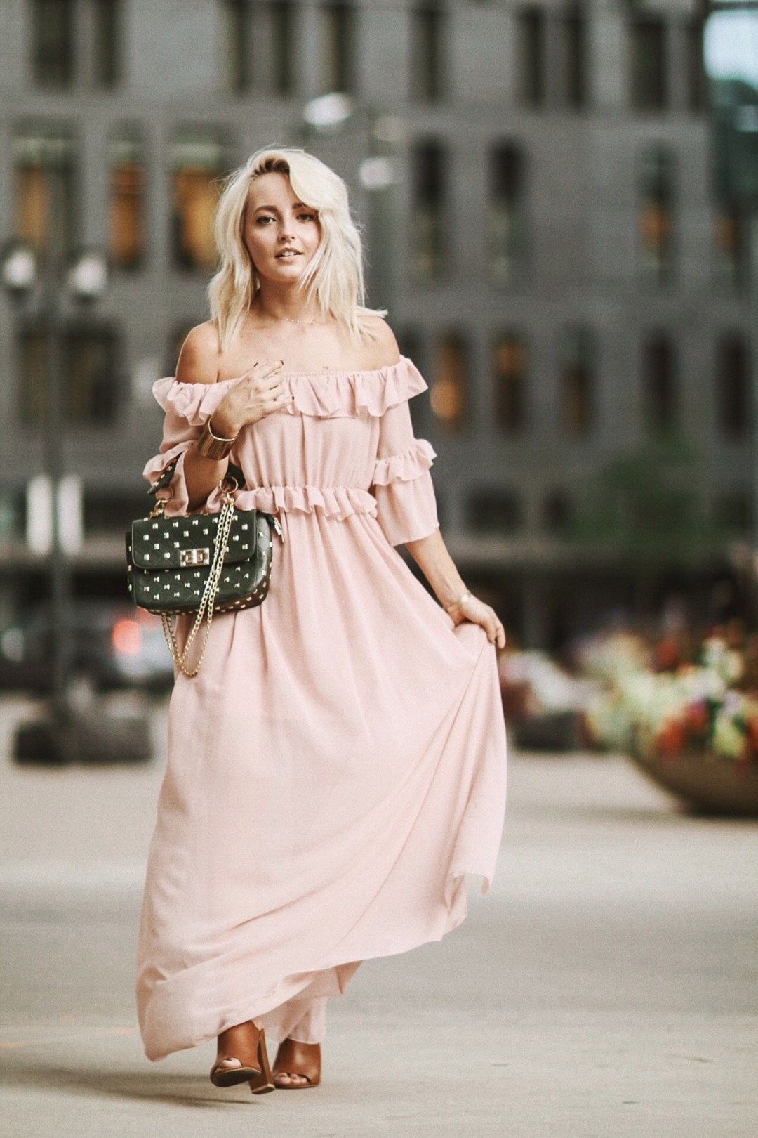 Alena Gidenko shares tips on how to style a dress for a Fall Wedding