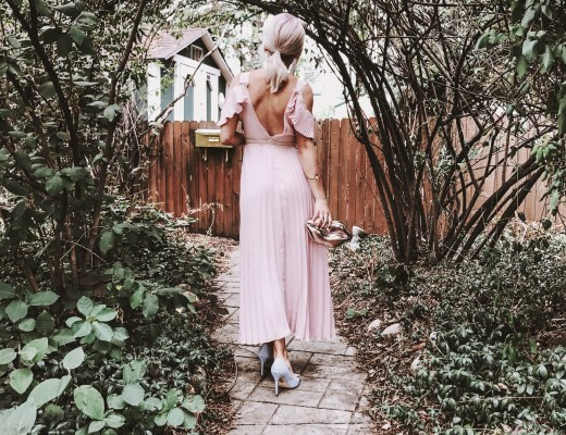 Alena Gidenko of modaprints.com styles a maxi pink dress with striped blue heels for Summer date night!