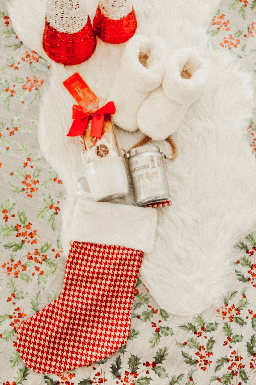 Alena Gidenko of modaprints.com shares last minute stocking stuffers with Gordmans