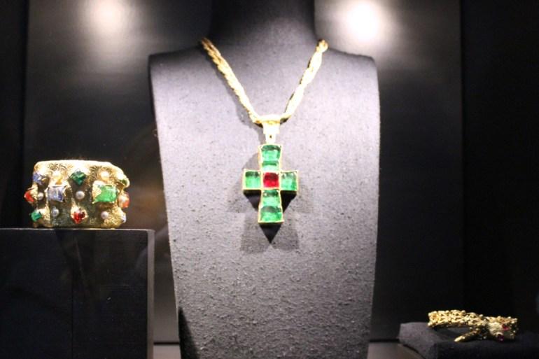 Modarium beeld van Chanel sieraden