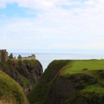 Modarium _ Schotse ruiten of Tartan_ afbeelding Schots landschap voor schotse ruiten of tartan
