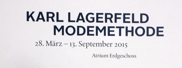 beeld van de entree bij de tentoonstelling Karl Lagerfeld. Modemethode