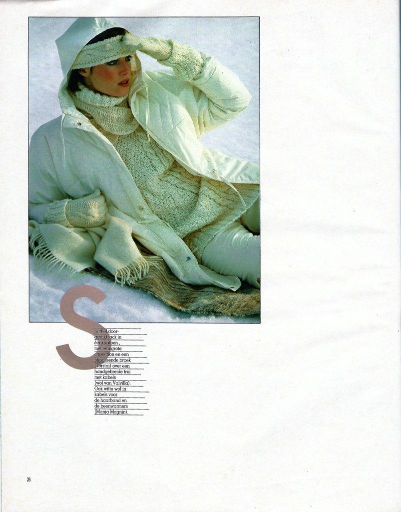 Fotografie door Kai Lindholm in 1982 oktober Avenue België Avontuur in Lapland pagina 26 fashion model in de sneeuw met winterwitte wollen kleding
