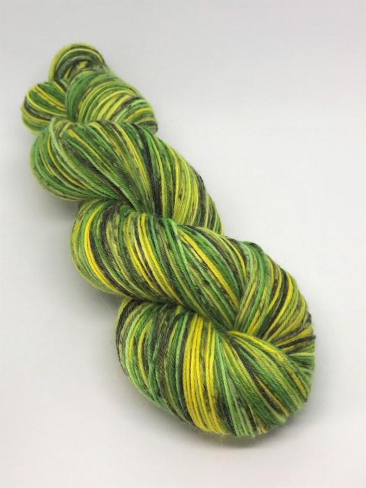 Saturn Sping on ModePaca. A yellow and lime-green combination of colors.
