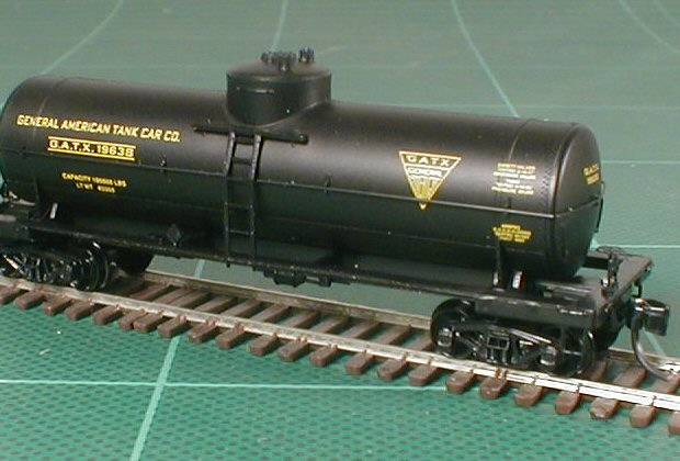 1015 Micro Trains Couplers