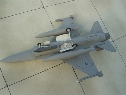 F-16Cpod 6