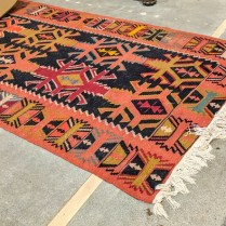 **ITEM NOW SOLD** Kilim rug. Age/origin not known. 750.-