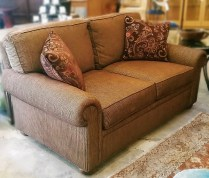 **ITEM NOW SOLD** Stickley Loveseat. Purchased at Seldens in 2013. Original List: $3849.- Modele's Price: 950.-