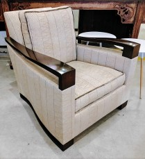 **ITEM NOW SOLD** Donghia chair. Purchased in 2009. Custom upholstery. Comparable new price: $4000. Modele's Price: 1,500.-