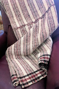 **ITEM NOW SOLD** Woven throw. 150.-