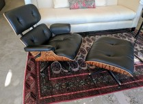 **ITEM NOW SOLD**Herman Miller Eames lounge chair and ottoman. Purchased from DWR in 2013. Palisander frame with vicenza leather (upgrades). Current list: $5910.- + freight. Modele's Price: 3950.-