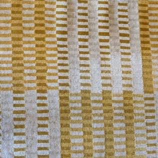 Wool and silk area rug, 8-9 years old. 6' x 9'. Orig. list: $7,000. Modele's Price: 2500.-