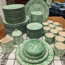 **ITEM NOW SOLD** Stangl vintage 'Town and Country' 64 piece spongeware set: 14 dinner/14 salad/11 bread & butter/10 bowls/12 cups/creamer/sugar/platter. c. 1974-1978 495.- set