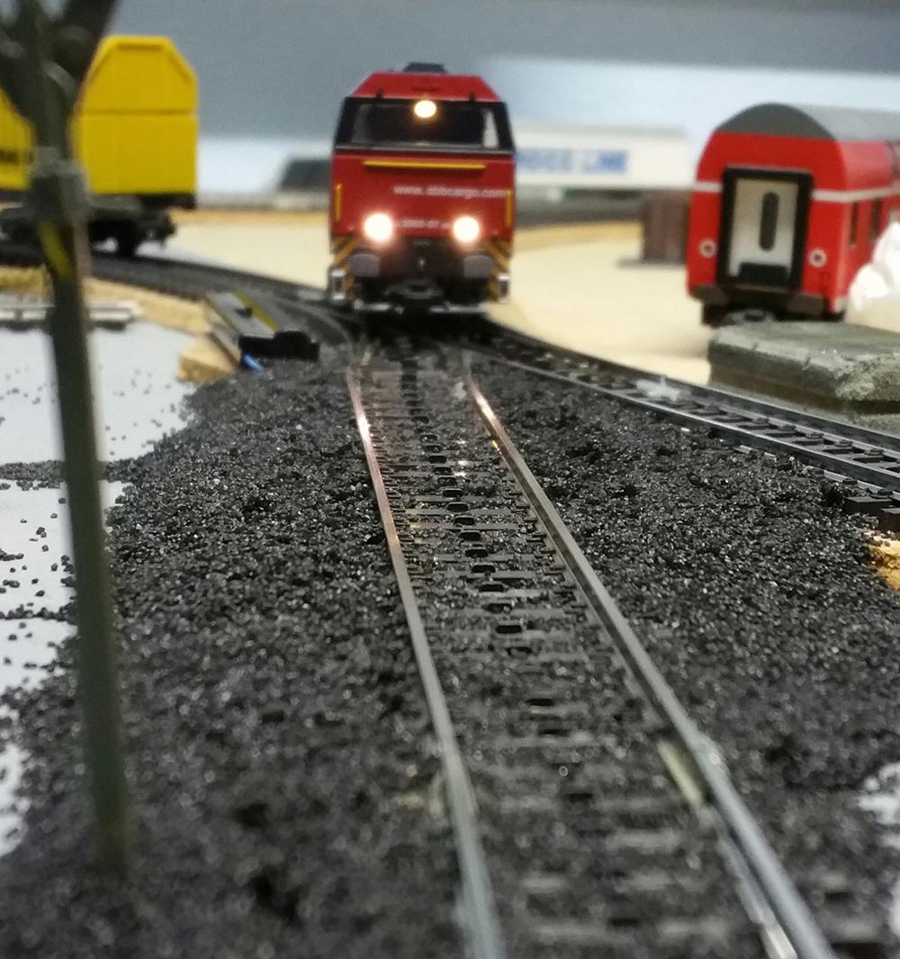 Neuer Schotter fürs Bahnbetriebswerk