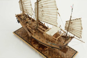Photos ship model Chinese river junk of 19th century, details