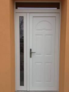 Finestremodena.com 059 9130040 Portoni da esterno a Bologna e provincia anta in vetro