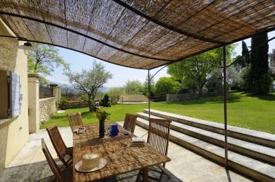 Meilin Bristiel's French farmhouse renovation  - terrace