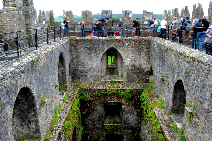 Line to kiss the Blarney Stone in Ireland