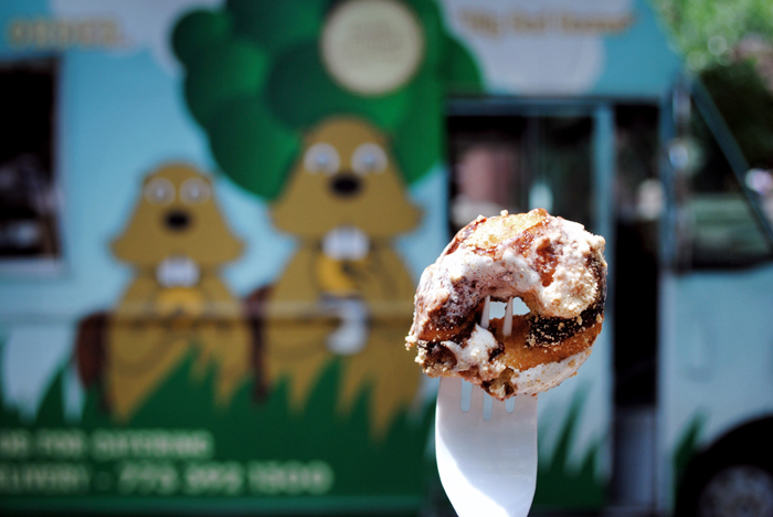 Beavers Coffee And Donuts truck in Chicago, Illinois