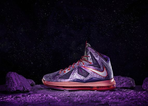 13-100_Nike_Allstar_Bball_Ind_Labron_Planet-03_large