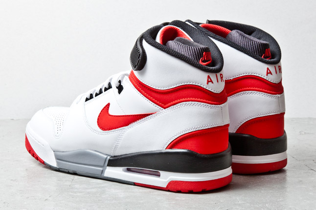 nike-air-revolution-wht-red-3-1