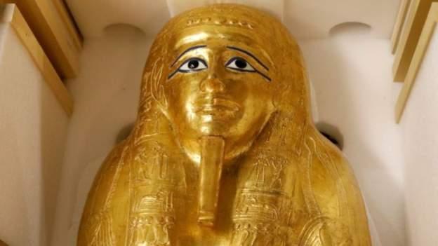 egypt gold coffin