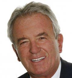 Dr. med. Istvan Velancsics