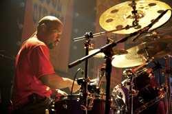 Derico Watson : Modern Drummer