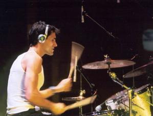 Tobias Ralph: Modern Drummer