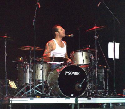 Dave Minarik of The Clarks : Modern Drummer