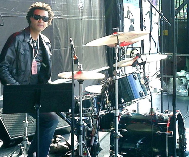 Anthony Johnson of The Morning After Girls : Modern Drummer