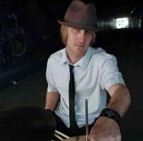 Mike Bennett : Modern Drummer