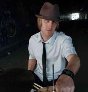Drummer Mike Bennett : Modern Drummer
