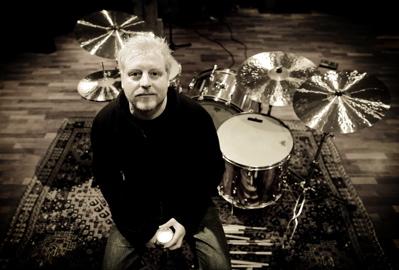 Joshua Radin's Frederik Bokkenheuser : Modern Drummer