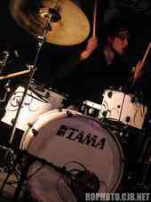 Mark Rhoades : Modern Drummer