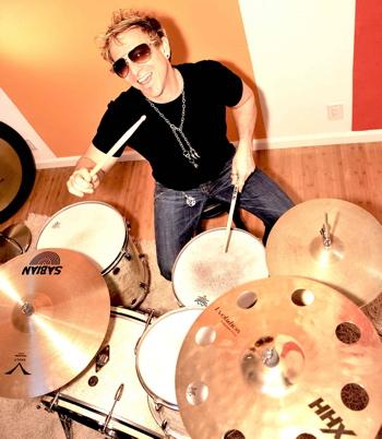 Pink's Mark Schulman behind the drumkit