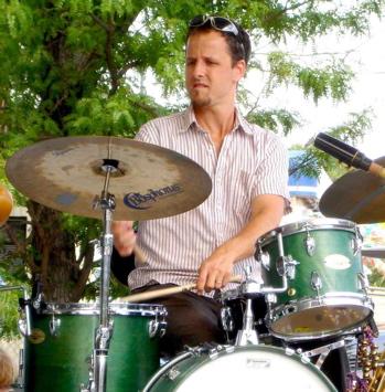 Drummer Tobias Gebb
