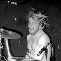 Chuck Biscuits : Modern Drummer